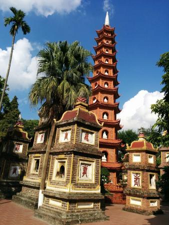 Chua Tran Quoc: 鎮国寺の塔