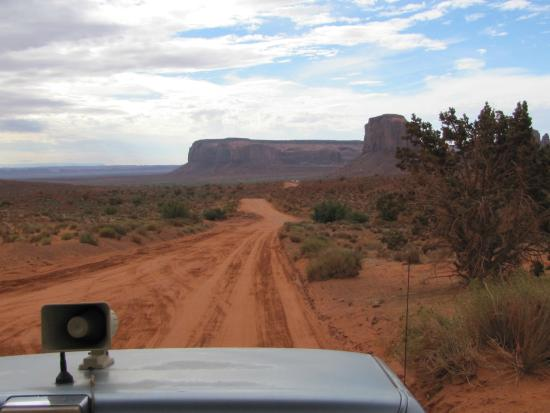 Blackwater Tours: Driving on Monument Valley floor.