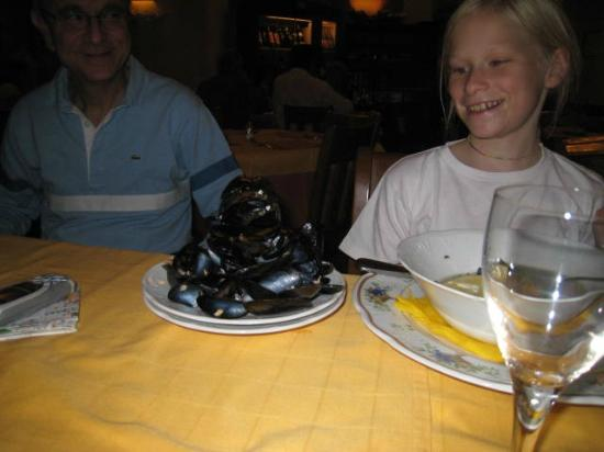 La Gola: Yes, she ate all of those clams