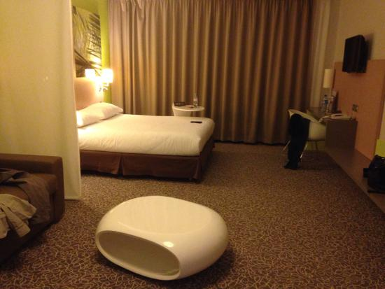 Ibis Styles Troyes Centre : Chambre supérieur