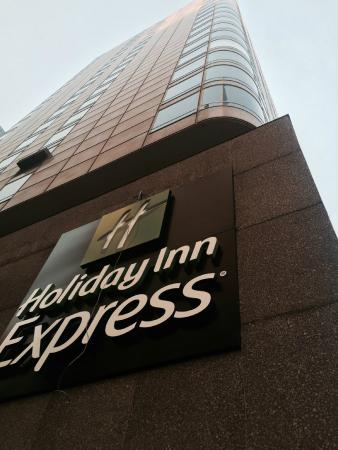 Holiday Inn Express Denver Downtown: Hotel Exterior