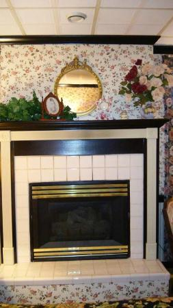 East Greenville, PA: We went in August, so there was no need for this fireplace