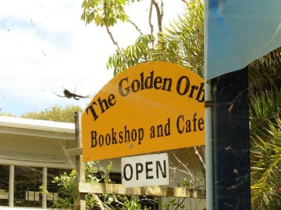 Golden Orb Bookshop Cafe: Cafe Entrance