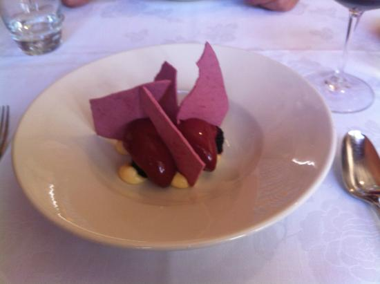 Lucio's Italian Restaurant: dessert of beetroot meringue, lemon and berries