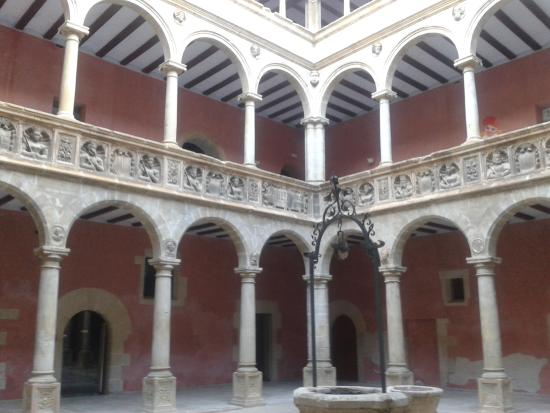 Centro de Interpretacion del Renacimiento y Reales Colegios de Tortosa