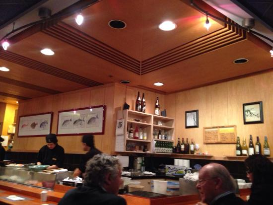 Take Sushi Restaurant : 店内