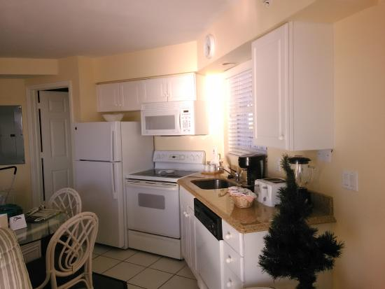 Edison Beach House: Full sized appliances- fully outfitted kitchen