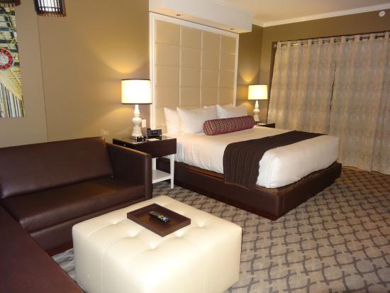 Golden Nugget Hotel Deluxe Room