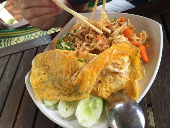 Top View Restaurant: Pad Thai