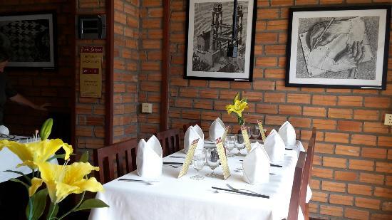 Paris Saigon: Cosy small restaurant