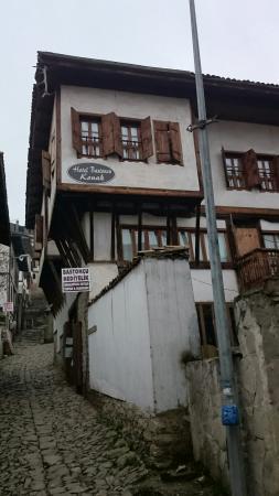 Bastoncu Pension : The house itself