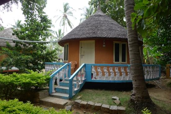 Sunny Guest House : lovely huts at Sunny