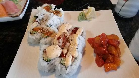 Sushi Tengoku Japanese Restaurant: Spicy combo