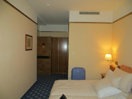 Best Western Plus Hotel Mirabeau: Room