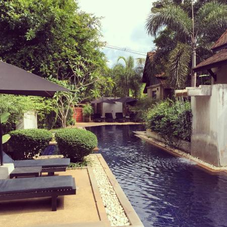 Montra Hotel: Pool!