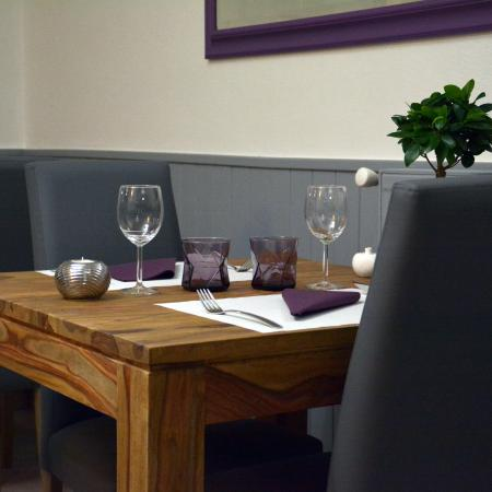 Table De Deux Personnes Picture Of Cuisine Nous Reims