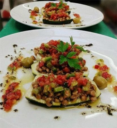 Ultramort, Spania: Carbassó farcit de llenties amb una picada de verdures