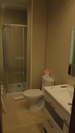 Apartamentos Adjovimar: Badezimmer