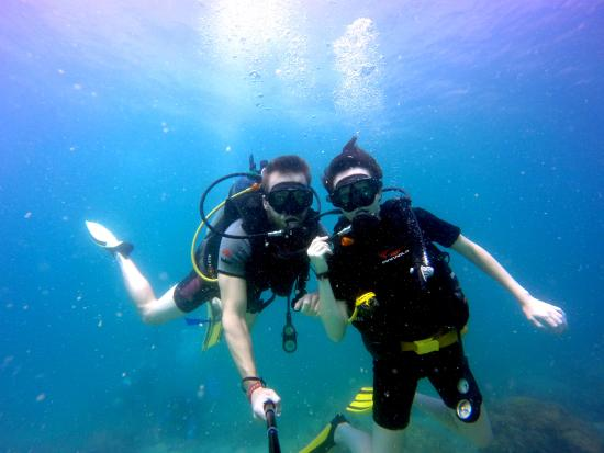 Mermaids Dive Center Pattaya: Diving at Koh Rinn with Mermaids Talay