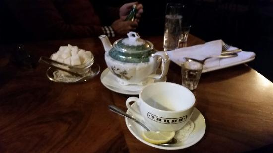 The Idiot Restaurant : Teatime im IDIOT ��