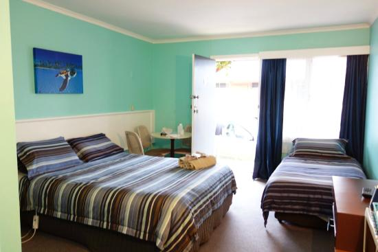 Swansea Motor Inn : Triple bedroom