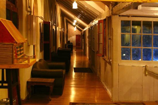 Grand View Hotel: Corridor