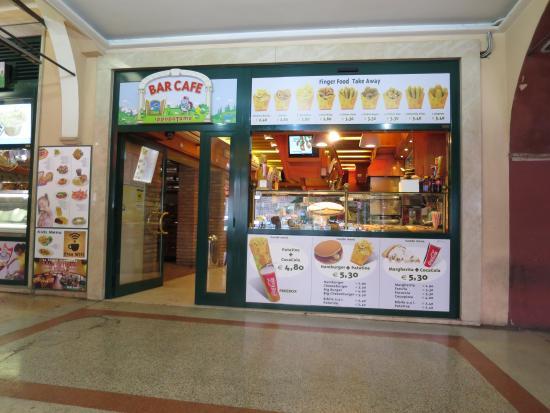 Locanda Ippopotamo: 併設のカフェ。