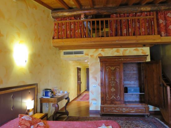 Locanda Ippopotamo: 広くて綺麗な部屋。