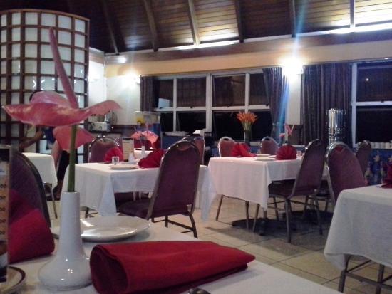 Peninsula International Hotel : only 1 restaurant (Mokosoi Dining Room) - not much choices