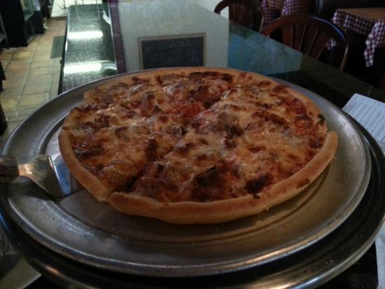 Papa Giorgio's Family Italian Restaurant: My Pizza
