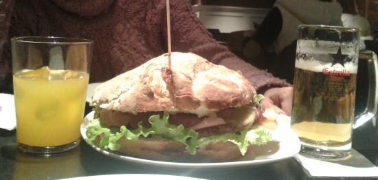 Deluxe Miribilla: La hamburguesa mas pequeña que tienen