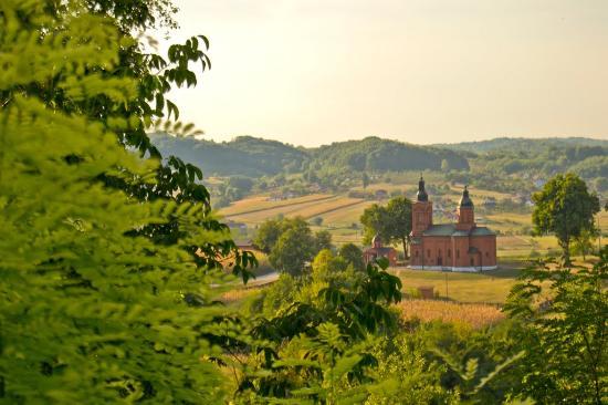Ugljevik, Βοσνία - Ερζεγοβίνη: Serbian ortodoh church in village Tutnjevac