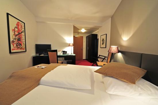 The Corner Hotel: Comfort Single Room