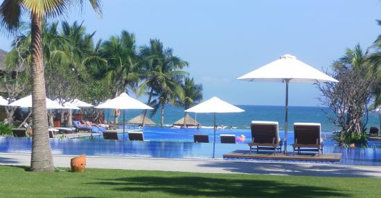 Vinpearl Da Nang Resort & Villas: 5 of the best pools ever!