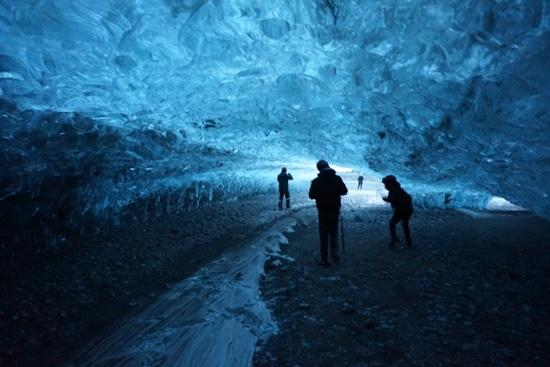 Goecco Indie Tours: Exploring the stunning ice cave!