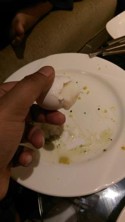 Svelte Hotel and Personal Suites: supposed to be fully boiled eggs