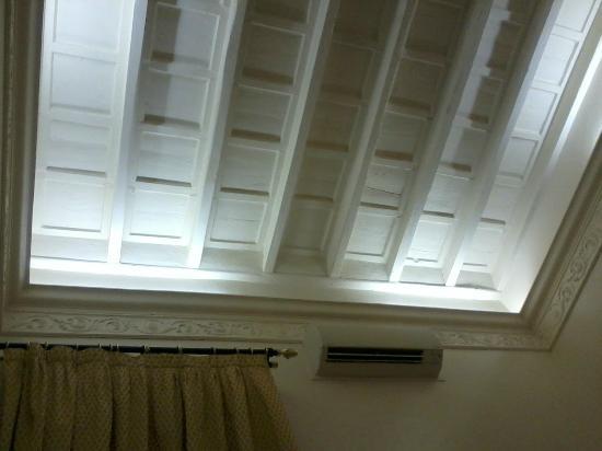 SuitesRome: superbe plafond