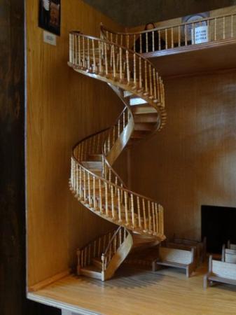 Loretto Chapel: staircase model