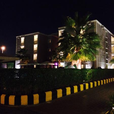Boudl Gardenia Resort: From parking