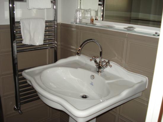Hotel Lombardia: bagno stanza 305