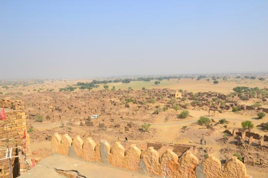 Khaba Fort: the view of ruins