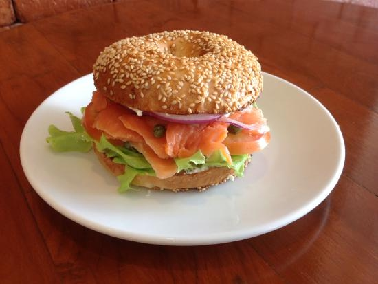 Sandwich Shoppe Chalong: Real bagel, lox and Philly