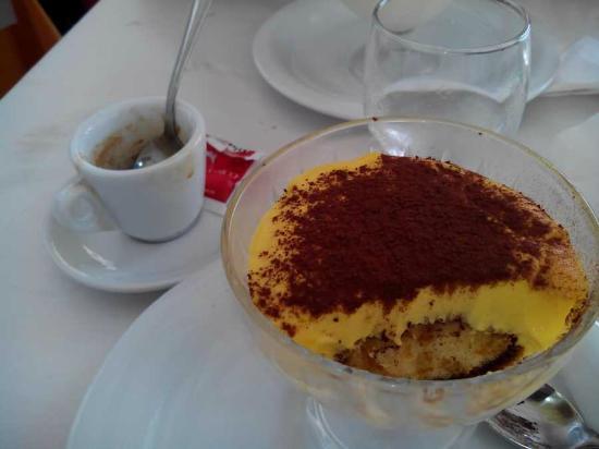 L'Insalata Ricca - Largo dei Chiavari: espresso, tiramsu