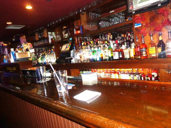 McAleer's Pub & Restaurant: Bar