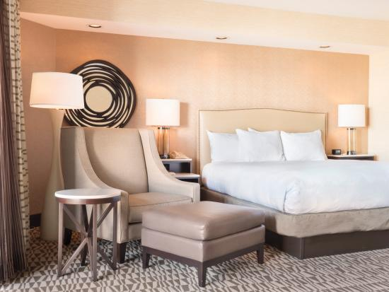 Hilton Phoenix Airport: Jr. King Suite