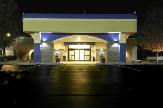 Best Western Plus Philadelphia Bensalem Hotel: Entrance
