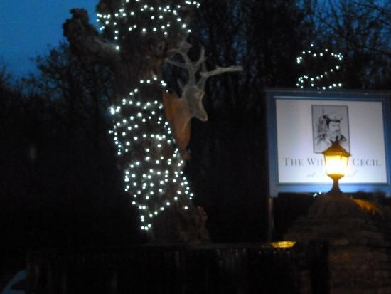 The William Cecil at Stamford: Super Christmas stag at the entrance