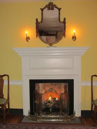 Gas Fireplace In Turner Room Picture Of Belle Grove
