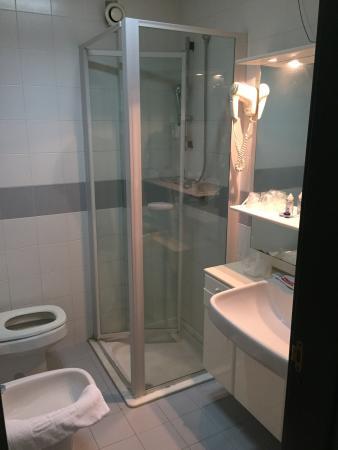 Svevo Hotel: Bagno stanza 3 piano