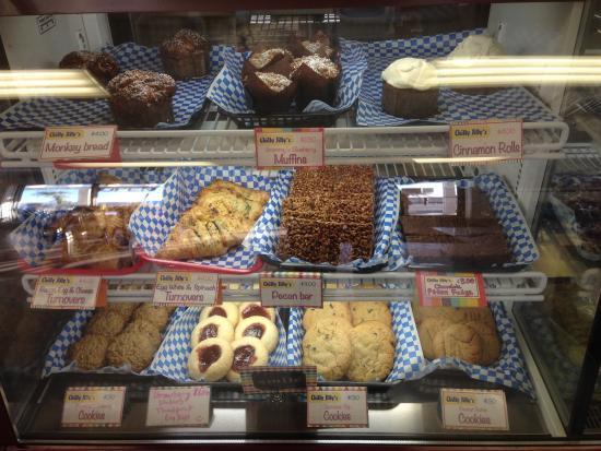 Chilly Jilly'z Bakery & Cafe : baked goods